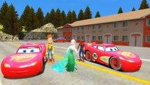 Elsa (Frozen), Spiderman, Batman & Woody (Toy Story) s'amusent sur les routes avec Flash McQueen