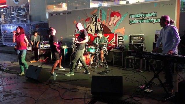 Bra Branner live ROKZ MAGAZINE 2015