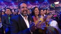 Kapil Sharma and Shahrukh Khan very funny in 61st Filmfare Awards 2016