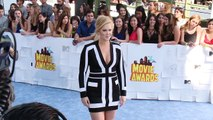 Amy Schumer Calls Out Taylor Swift Over Thigh Gaps?