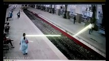 [CCTV Footage] Mumbai Local Train Overshoots Platform At Churchgate! [Indian Railways]