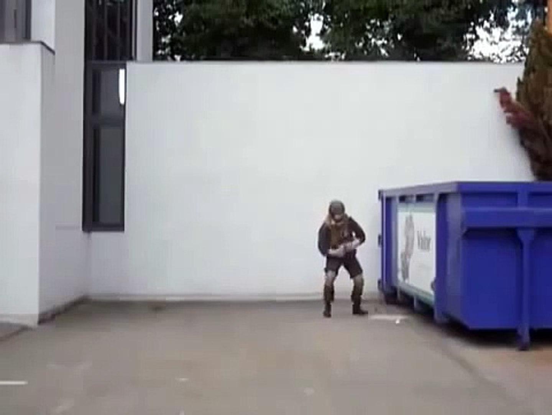 Когда солдату нечего делать)