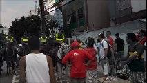 Polícia orienta manifestantes pró-Dilma a saírem da Praça do Pedágio da Terceira Ponte, em Vitória