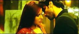 Aditya Roy Kapoor & Katrina Kaif Kissing Scene - Fitoor - 2016