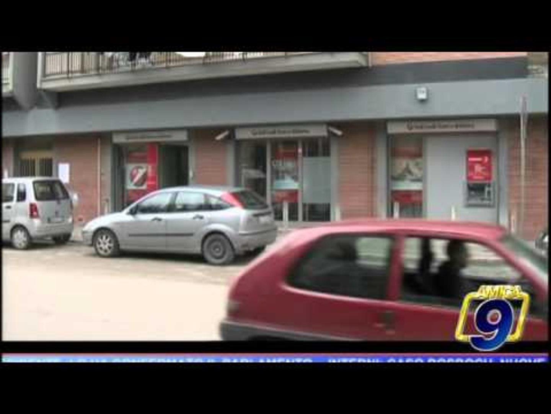Barletta | Tentata rapina in una banca, le immagini