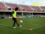 Nike - Soccer - Joga Bonito-  Ronaldinho Ping Pong