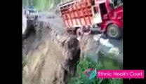 Road Accident | Horrible 18 wheeler accidents compilation 2016