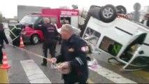 Şanlıurfa?da Otomobil ile Hafif Ticari Araç Çarpıştı: 4 Yaralı