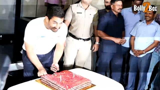 Aamir Khan Celebrates 51st Birthday | Aamir Khan Birthday Bash | Bollywood Celebs