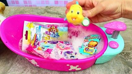Disney Princess Little Mermaid Ariel Baby Doll Bath Time Bathtub Set + Surprise Toys & Bli