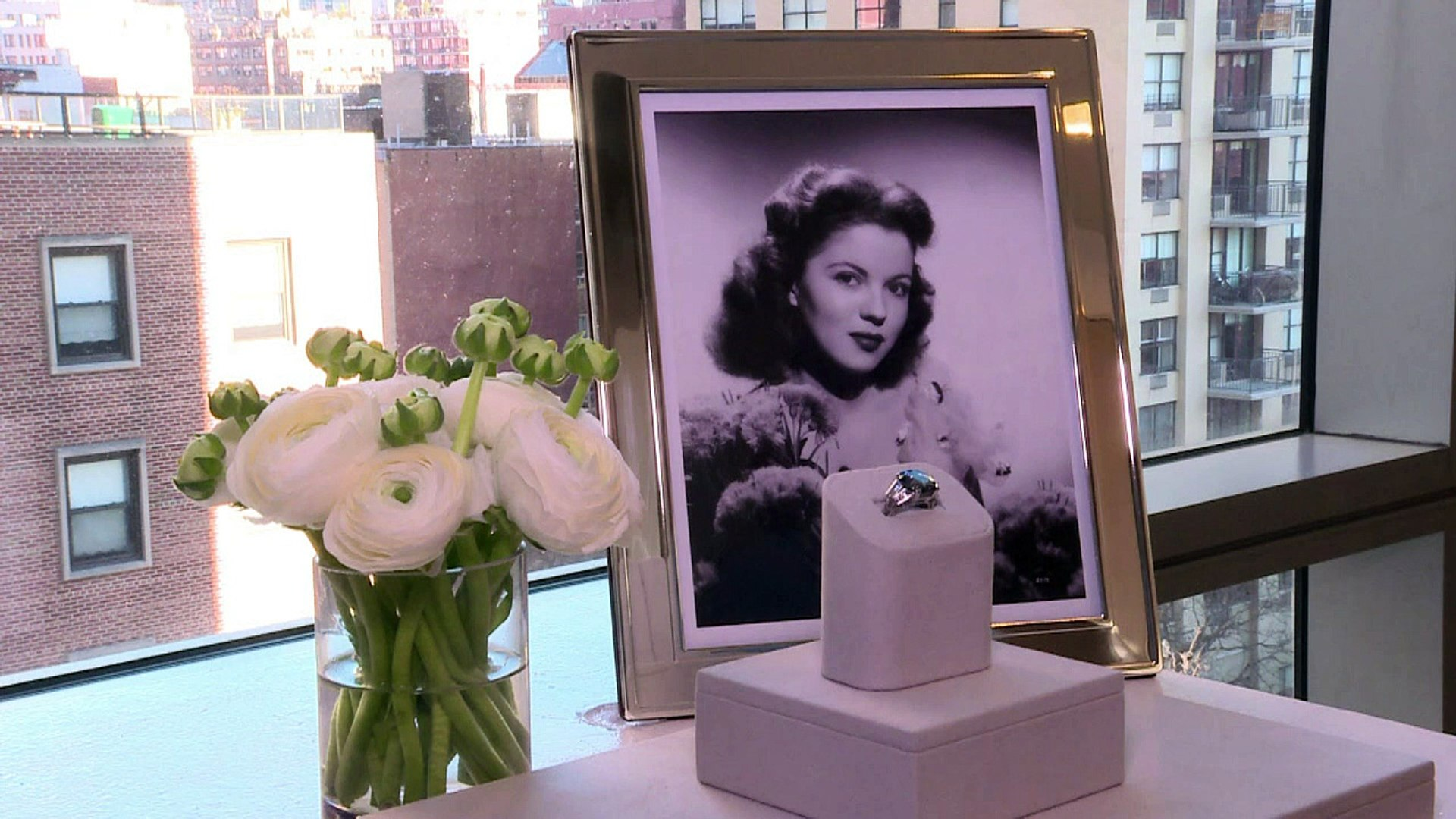Shirley Temple diamond ring on sale for $25-35m in NY