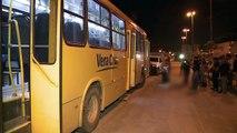[TV JORNAL] Homem é assassinado a tiros dentro de ônibus na Muribeca