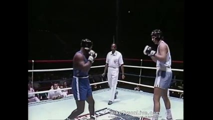 Mike Tyson KOs Kelton Brown to Win National Amateur Boxing Crown  Historical Boxing Matches