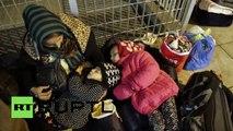 Lösung für Flüchtlingskrise – Alle nach Griechenland? Hunderte sitzen schon jetzt auf der Straße