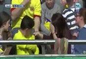 Une spectatrice touchée en pleine tête par un ballon de Messi
