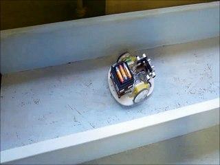Robot réalisé par les élèves de troisième lors d'un concours entre établissements