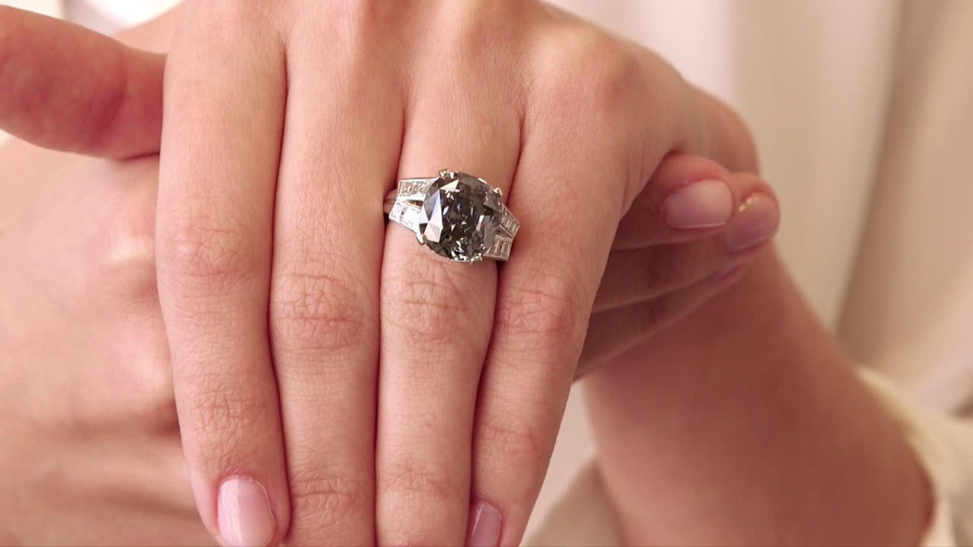Sale  a subasta el diamante azul de Shirley Temple