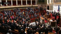 Les députés observent une minute de silence en hommage aux victimes des attentats en Belgique