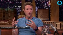 """Jimmy Fallon and Chris Martin Perform David Bowie's """"Life on Mars?"""" Together"""