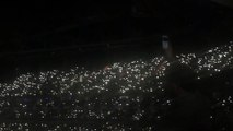 Adele chante Make You Feel My Love en hommage à Bruxelles