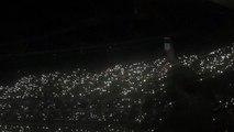 Attentats de Bruxelles : Adele chante Make You Feel My Love en hommage aux victimes !