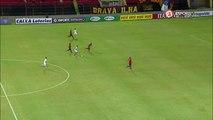 Müller Fernandes solta tiro de fora da área e assusta Danilo Fernandes