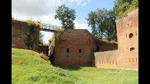 1er Bataillon de Parachutistes à Diest gravé sur les murs