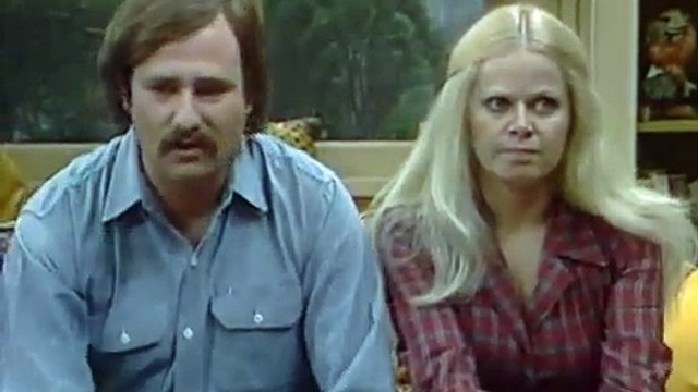 All in the Family S6 E19 - Mikes Move