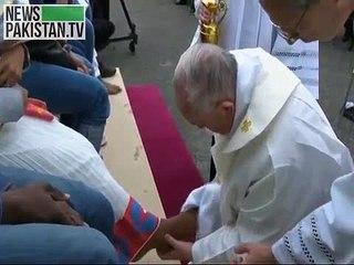 پوپ فرنسز مسلم،ہندو، کیتھولیک ریفیوجی کے ہمراہ