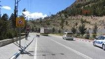 Karaman Virajı Dönerken Kamyona Çarpan Motosiklet Sürücüsü Öldü