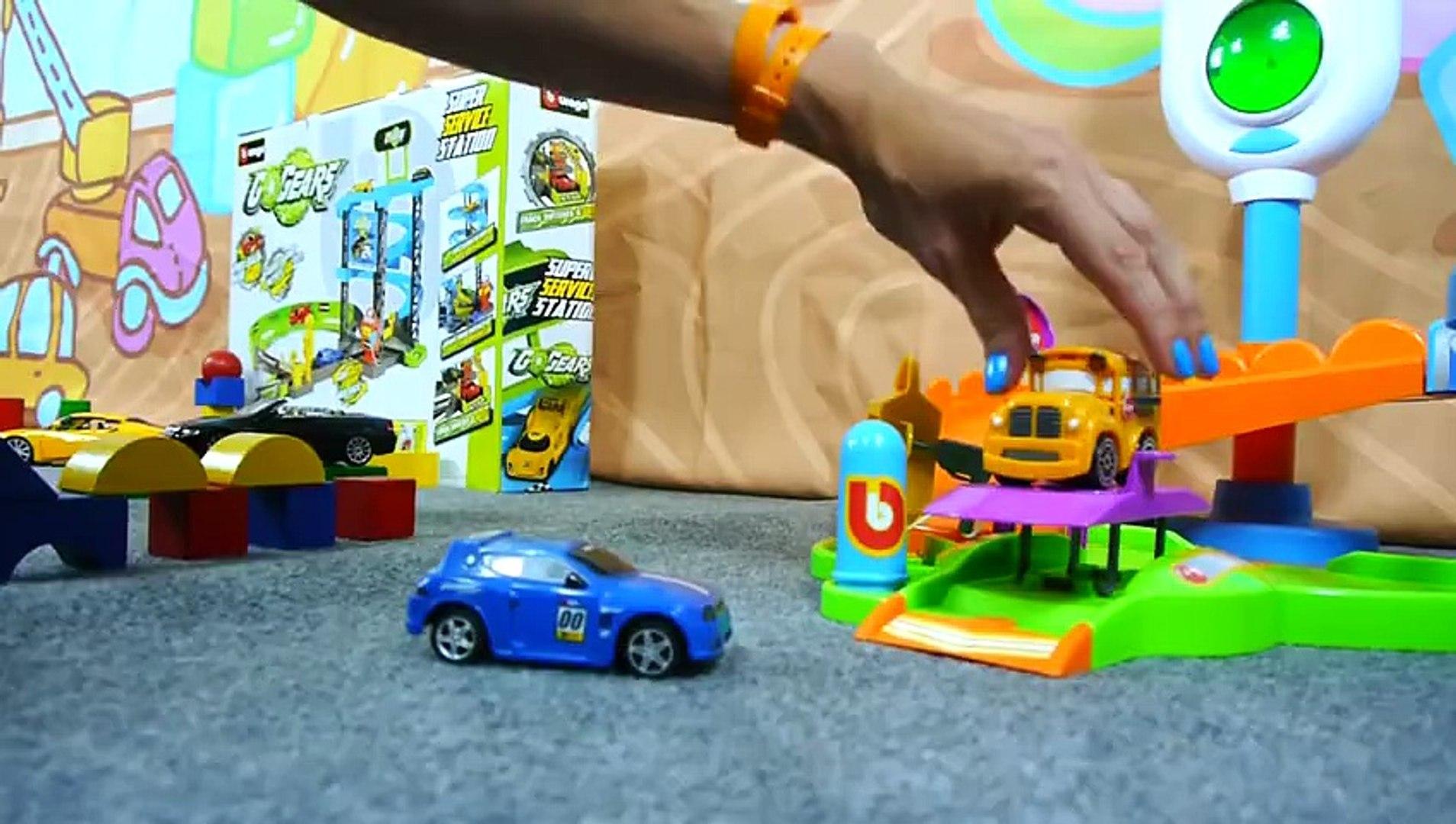 Çocuk filmi - Speedy ve Bussy araba sergisinde - BMW Çizgi Film izle - Animasyon HD izle 2015 Full 1