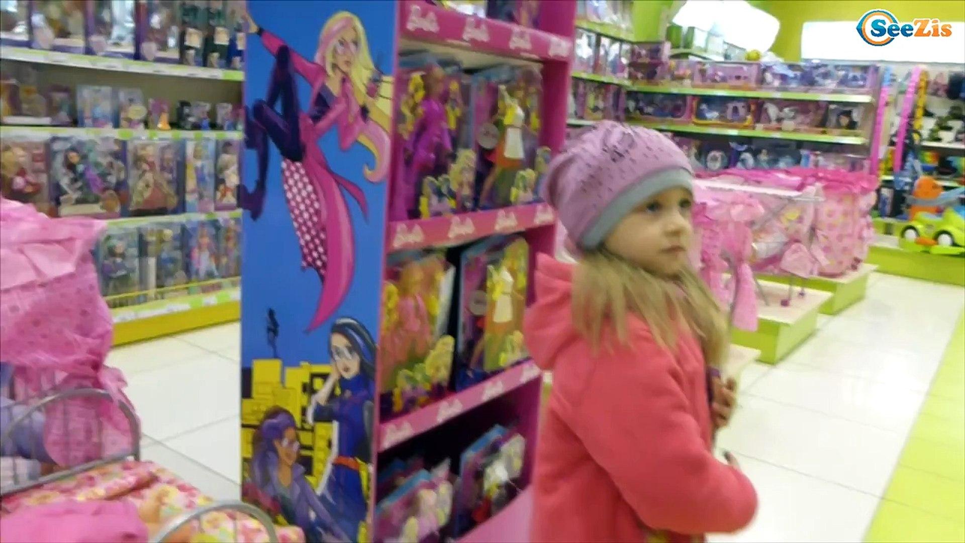 Кукла Барби и Ярослава. Шопинг в магазине игрушек. Барби и Кен. Видео для девочек. Tiki Taki Kids