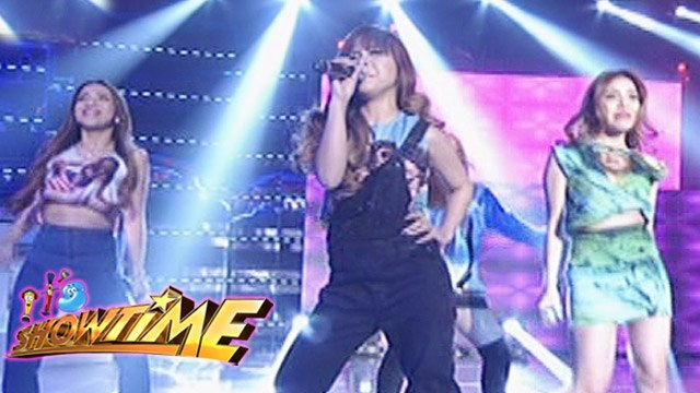 "It's Showtime: 4th Impact performs ""Bang Bang"""