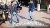 mohamed 6 avec garde du corps personnel -الملك محمد السادس مع الحارس الشخصي الجعيدي في هولندا