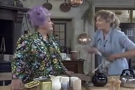 Grace and Favour (Are You Being Served Again) S02E01