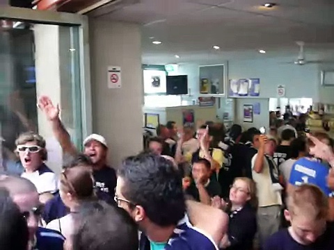 Melbourne Victory support