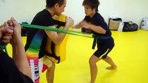 knee kick training with tube by girl kick champ