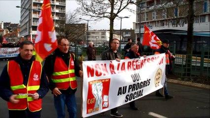 Etudiants et employés manifestent contre la Loi Travail à Boulogne-sur-Mer