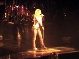 Shakira : back in black (AC/DC Cover Live Germany)