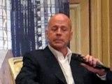 Bruce Willis in Paris Die Hard 4