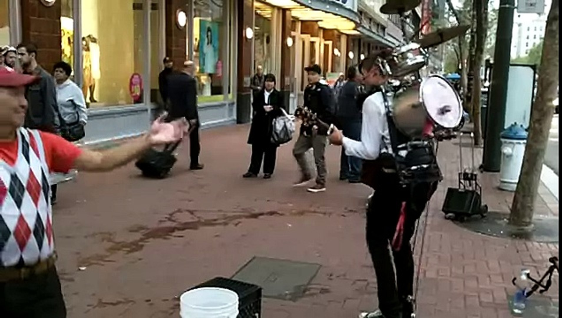 Excellent Street Musician in the City of San Francisco - One Man Band