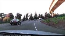 Une voiture défonce une moto et se barre à toute vitesse sur l'autoroute - Hit and Run