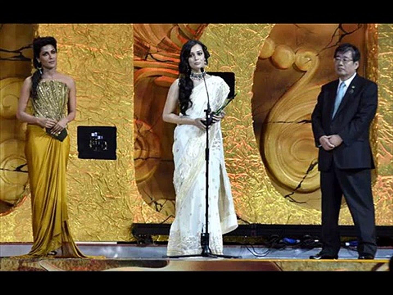 Dia Mirza Sexy Indian Actress