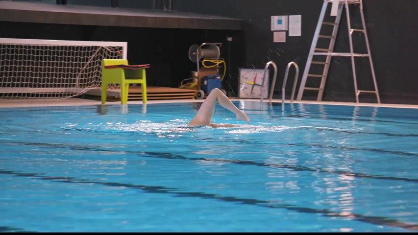 Camille Flotte, 27 ans, Championne de natation synchronisée - Filles d'aujourd'hui du 02/04 - CANAL +