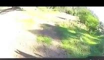 Un cycliste se fait braquer et voler son vélo et filme la scène avec sa GoPro