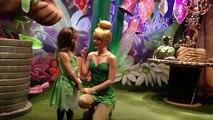 Deux filles sourdes et muettes posent pour une photo à Disney...
