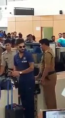 watch How The Fans Reacted on Indian team Arival at Mumbai Airport