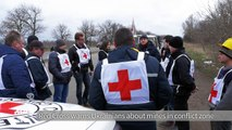 Red Cross warns Ukrainians about mines in conflict zone