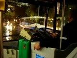 en bus, par temps pluvieux