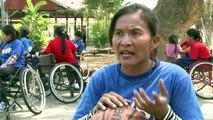 Cambodge: des basketteuses handicapées défient les préjugés